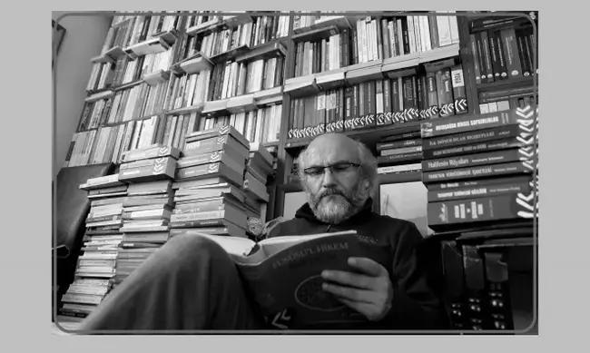 """Dursun Çiçek İle Konuştuk: Her """"kitap"""" kitap olmadığı gibi her """"okuma"""" da okuma değildir"""